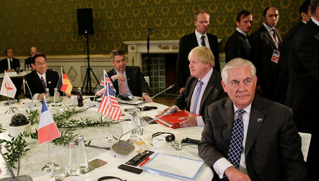 Госсекретарь США Рекс Госсекретарь США Рекс Тиллерсон поинтересовался, почему США должен волновать конфликт на Украине??