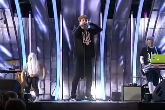 Украина: певец возбудил майдаунов словами о «ссоре братьев»