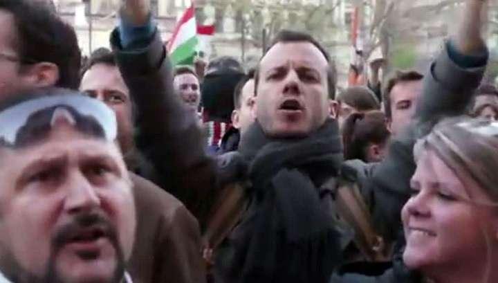 Венгрия: университет Джорджа Сороса закрывают, проплаченые студенты протестуют