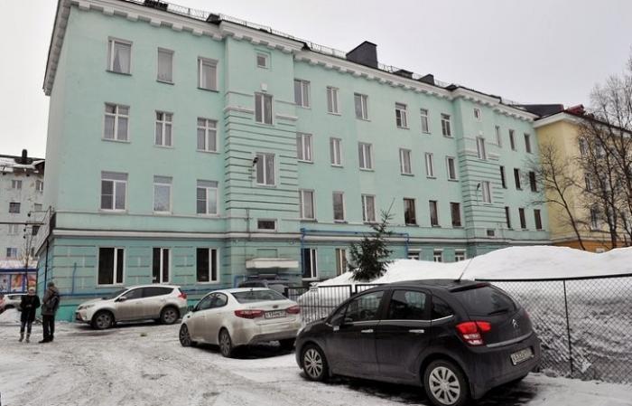 Дом, который «построил» ЖЭК: как в Мурманске силами жильцов преобразилось старое здание