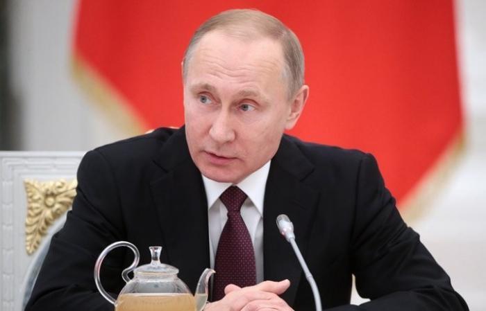 Владимир Путин прибыл в Бишкек для участия в саммитах ЕврАзЭС и ОДКБ