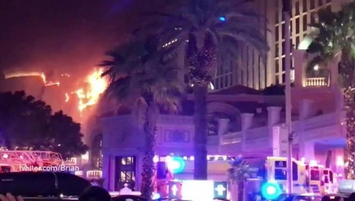 В Лас-Вегасе один из крупнейших в мире отелей-казино превратился в факел