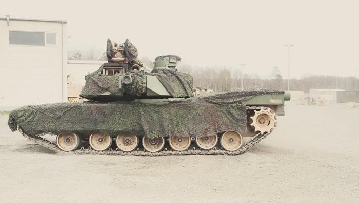 Американские танки в Европе перекрашивают в зелёный цвет