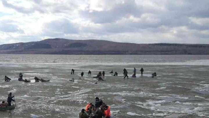 В Красноярском крае со льдины сняли 118 рыбаков