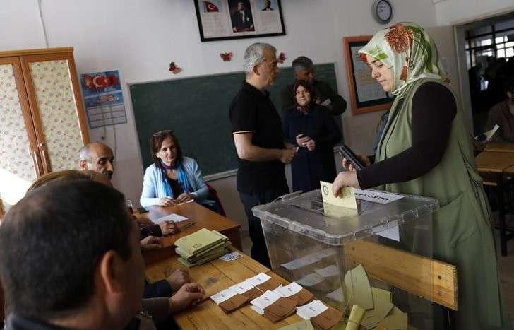 Референдум в Турции: более 50% проголосовавших высказались за поправки в конституцию
