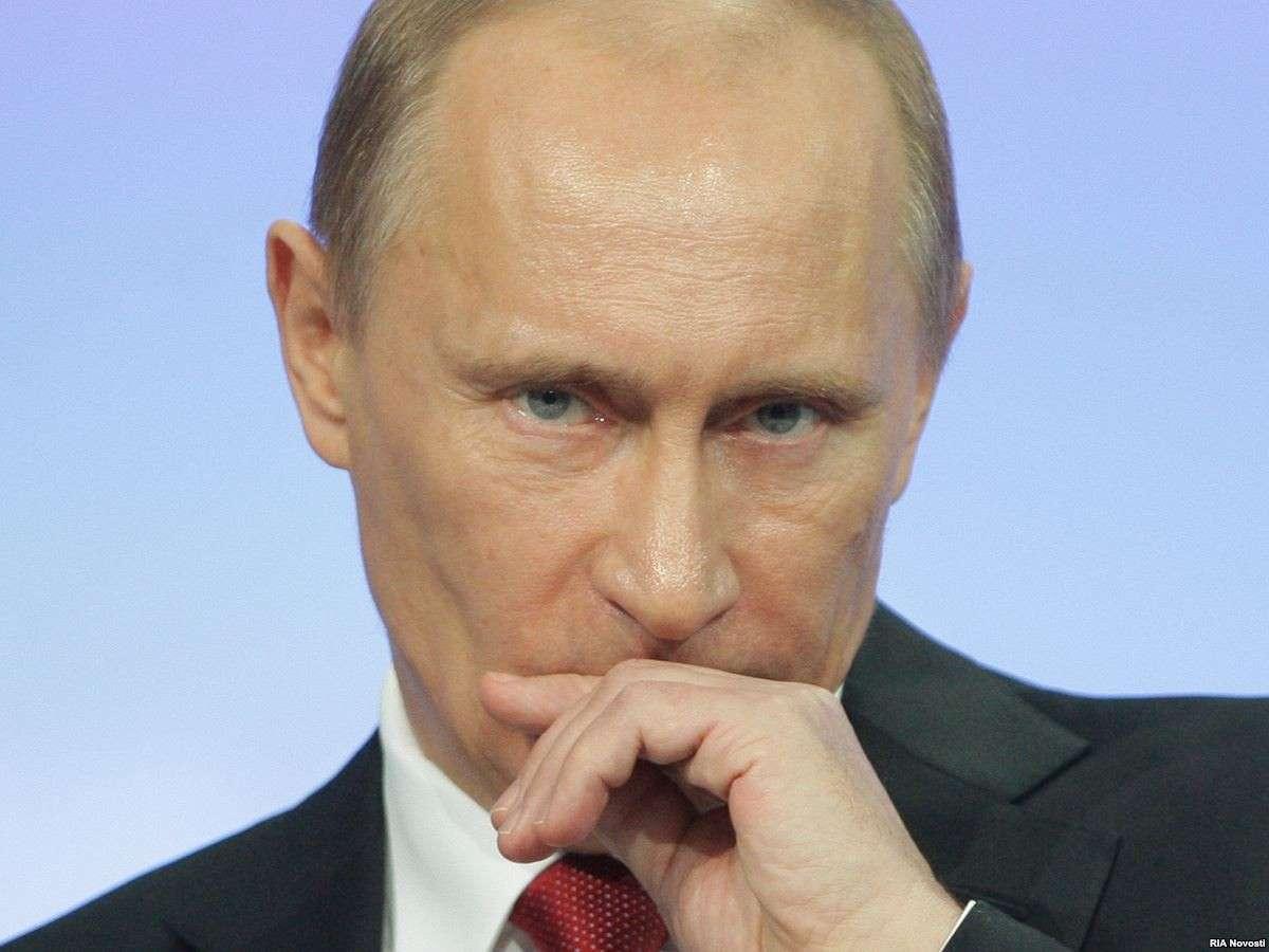 В российских верхах начались масштабные кадровые перестановки