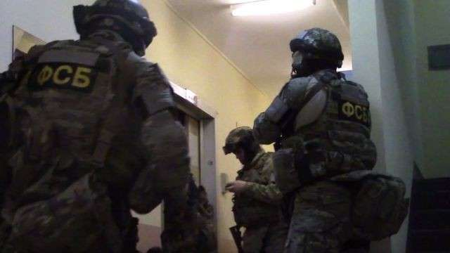 ФСБ совместно с МВД России взяли с поличным «оружейных баронов» из Украины и ЕС