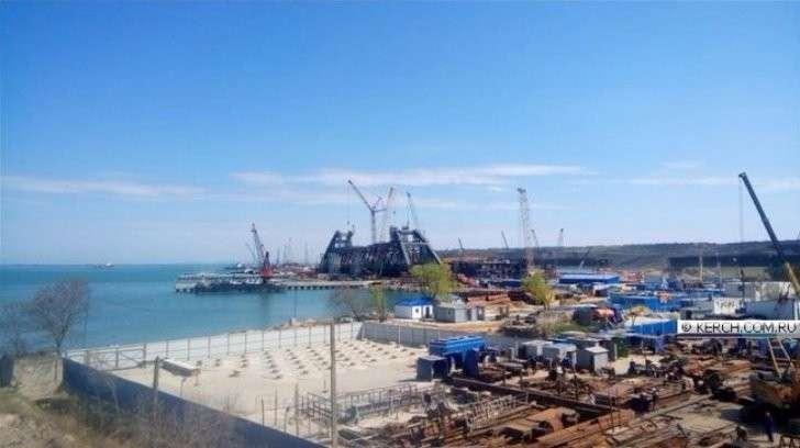 Опубликованы кадры арки Керченского моста, конструкция поражает размером