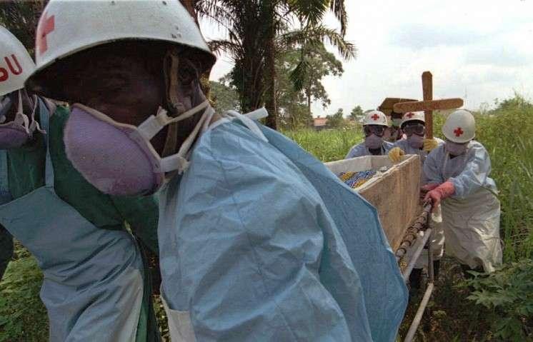 ВОЗ признала эпидемию лихорадки Эбола угрозой международного значения