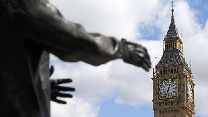 Досрочные выборы в парламент Великобритании: зачем они закулисным манипуляторам