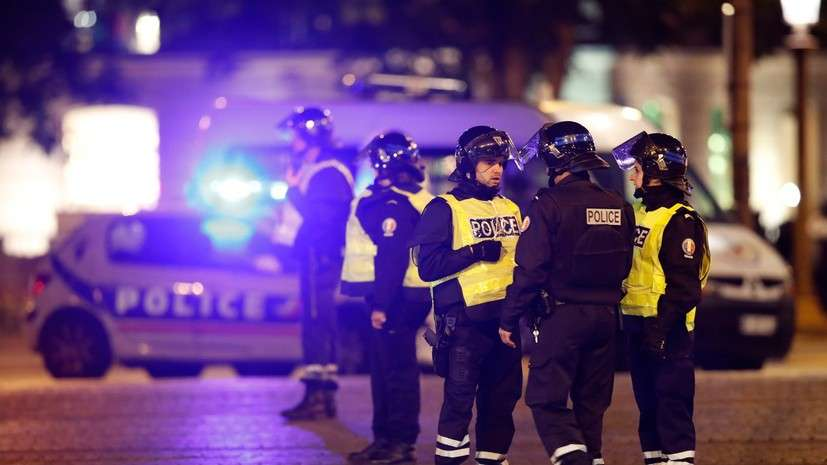 Стрельба в центре Парижа: террорист, напавший на полицейских, числился в базе спецслужб