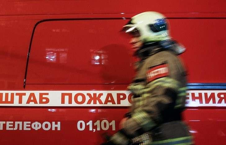 В Курской области горит склад боеприпасов