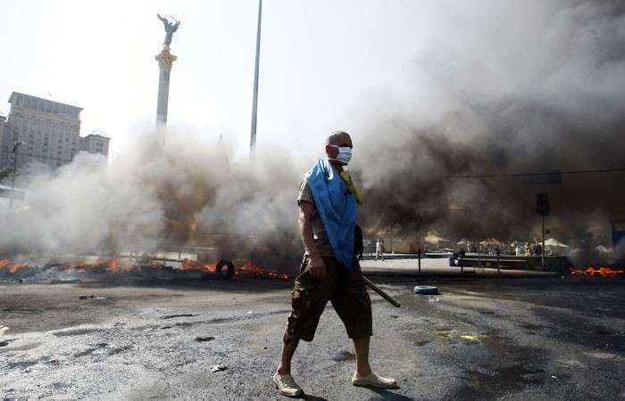 Майдан позора. Порошенко показал Януковичу, как надо разгонять протестующих