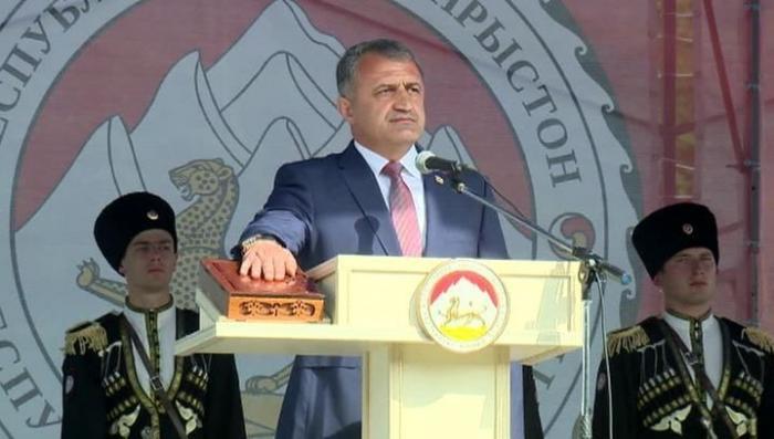 Владимир Путин поздравил Анатолия Бибилова с вступлением в должность президента Южной Осетии
