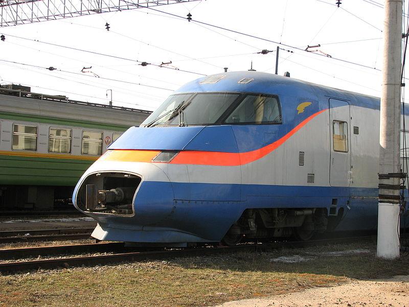 800px-Высокоскоростной_электропоезд_Сокол.JPG