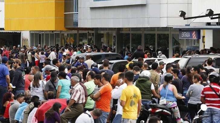 Венесуэла погружается в хаос латиноамериканского «майдана»