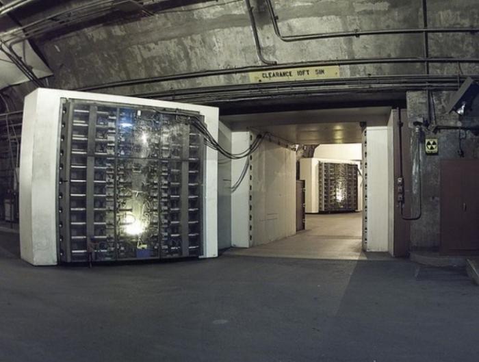Подземные бункеры в США и Северной Корее