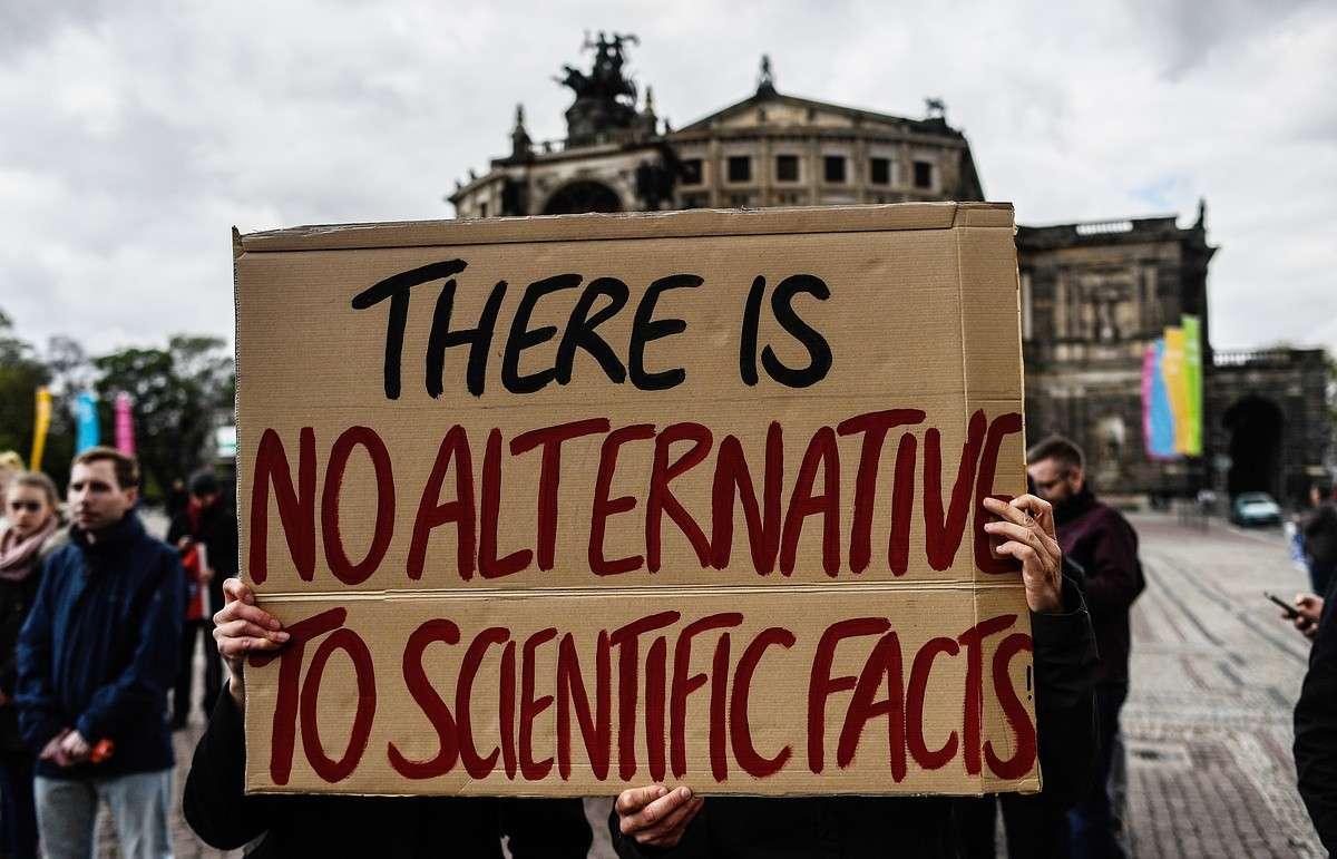 Марши в защиту науки от вмешательства политики прошли в сотнях городов мира