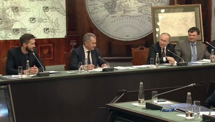 Добро побеждает зло: Владимир Путин увидел в жизни подводного мира сходство со своей работой