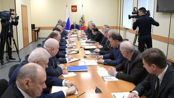 Владимир Путин в Рыбинске провёл заседание Военно-промышленной комиссии