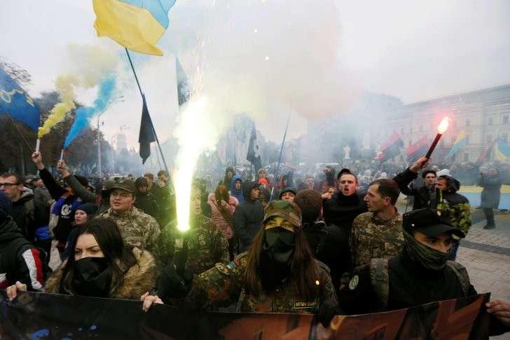 Идёт на разрыв: Киев ввёл энергетическую блокаду Донбасса на постоянной основе