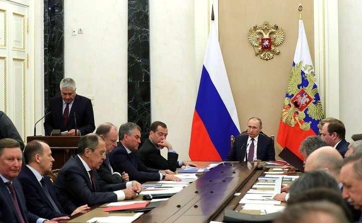 Владимир Путин провёл заседание Совета Безопасности по вопросам противодействия наркомании.