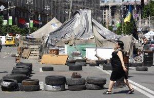 В центре Киева разобраны баррикады на улицах Крещатик, Михайловская и Городецкого