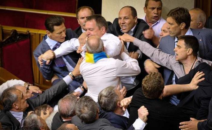 На Украине три года назад произошёл массовый побег из психушки во власть