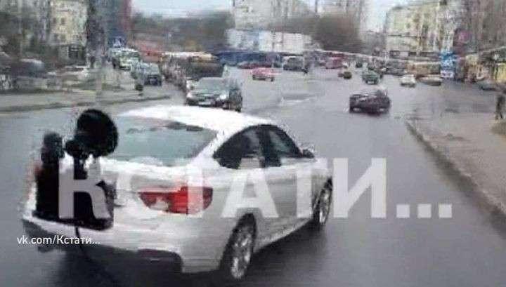Безмозглый представитель «золотой молодёжи» 40 минут преследовал школьный автобус