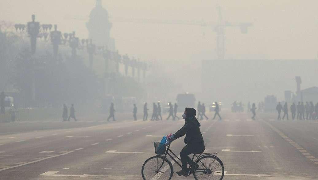 В Пекине уровень загрязнения воздуха превысил безопасный показатель в 21 раз