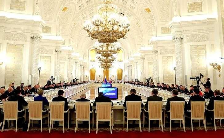 Совместное заседание Государственного совета иКомиссии помониторингу достижения целевых показателей социально-экономического развития России.