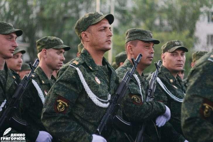 В Донецке прошла репетиция Парада Победы с участием военной техники