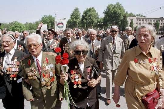 В Таджикистане русофобы запретили акцию «Бессмертный полк»
