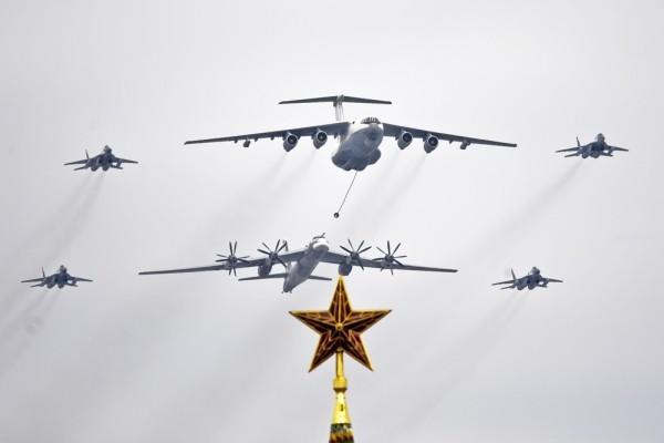 Как русские пилоты напугали американский авианосец