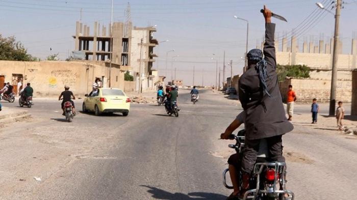 Как «черти» из ИГИЛ покидают «окружённую» Ракку
