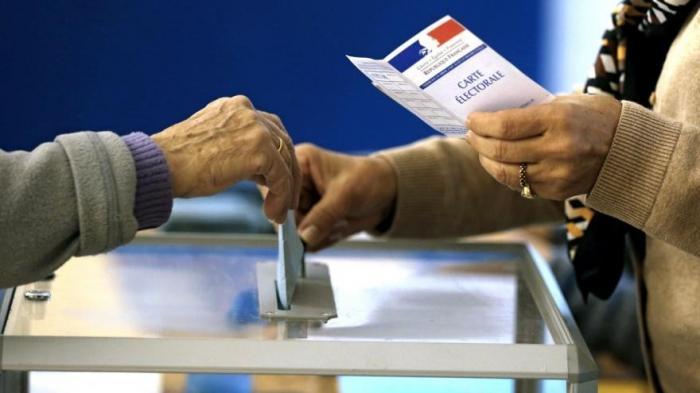 «Ле Пен станет президентом Франции в 2022 году» или страна распадётся