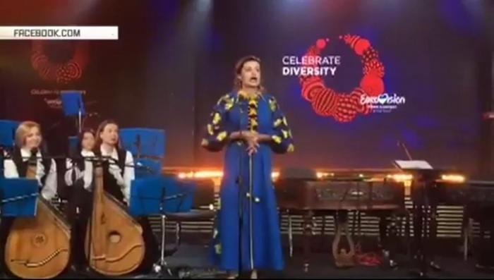 Жена Порошенко на открытии Евровидения поздравила участников конкурса «по-селюковски»