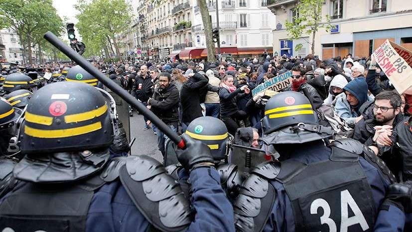 В Париже начался митинг против Макрона, полиция применяет слезоточивый газ и резиновые пули
