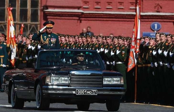 Министр обороны РФ Сергей Шойгу во время генеральной репетиции парада на Красной площади