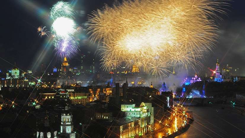 Праздничный Салют в День Победы в Москве