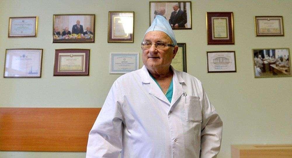 «У сознания нет места в теле», – выдающийся российский нейрохирург