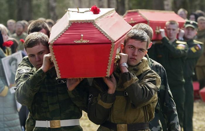 Петербург: 602 павших солдата, найденные волонтерами предали земле