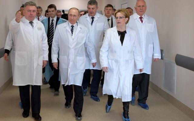 Майские указы Владимира Путина. Что удалось выполнить в сфере здравоохранения?