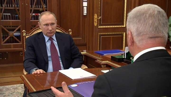 Владимир Путин сообщил об идее повышения МРОТ до прожиточного минимума не поэтапно, а сразу