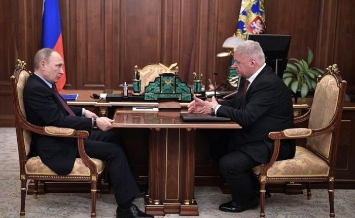 Встреча Владимира Путина сглавой Федерации независимых профсоюзов России Михаилом Шмаковым