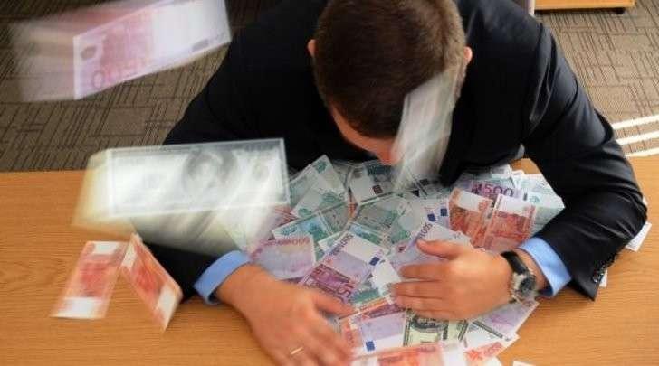 Сколько в Севастополе зарабатывают служители МЧС, СК и прокуратуры
