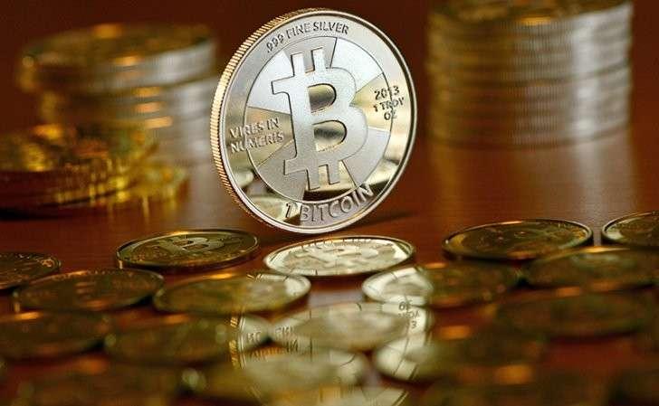 Кто раскручивает биткоин? «Тихая гавань» во время финансового шторма