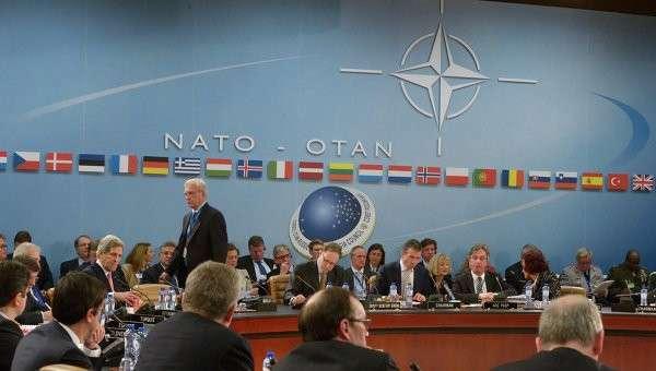 США создают пояс нестабильности вокруг России