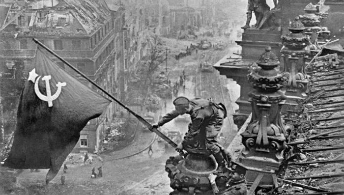 США пришлось напомнить, кто разгромил Третий рейх в 1945-м