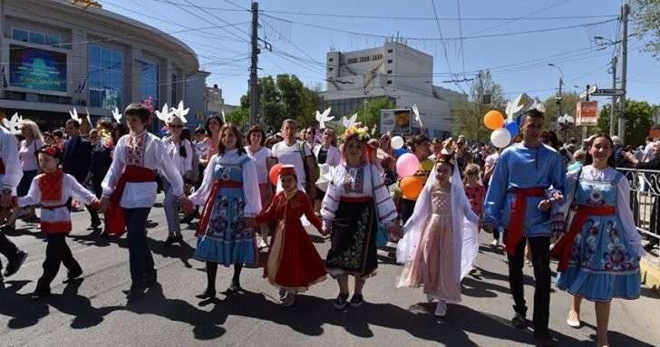 Крым: из-за погоды и кризиса потерял более 30 процентов «первомайских» туристов